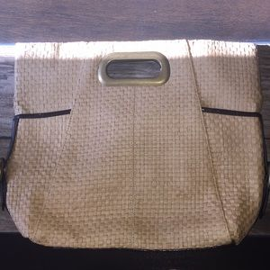 Beige textured purse